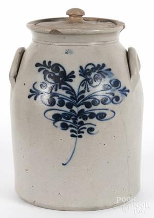 Threegallon stoneware lidded crock