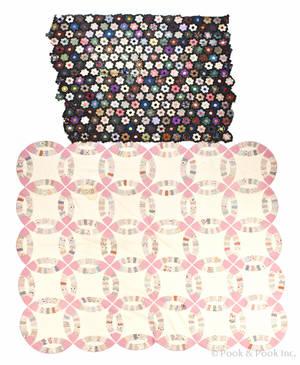 Pieced wedding ring quilt