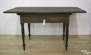 Pennsylvania walnut tavern table ca 1810