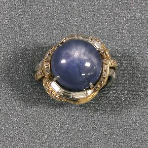 Bicolor 14kt Gold Star Sapphire and Diamond Cocktail Ring