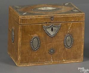 English mahogany veneer travelling cellerette early 19th c