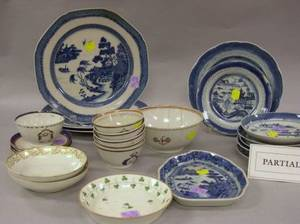 Twentyseven Pieces of Assorted Chinese Export Porcelain Tableware