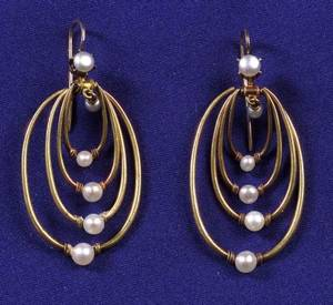 Antique 18kt Gold and Pearl Earpendants