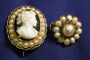 Antique 18kt Gold Agate Enamel and Seed Pearl Cameo Brooch