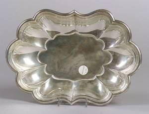 Reed  Barton Sterling Silver Windsor Bowl