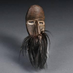 Dan Carved Wood Passport Mask