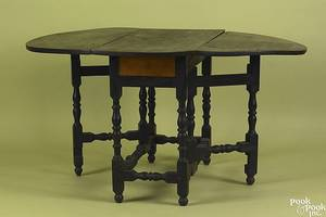 New England William  Mary tiger maple gateleg table ca 1730