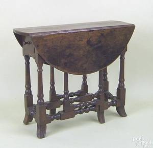 George I mahogany dropleaf table early 18th c