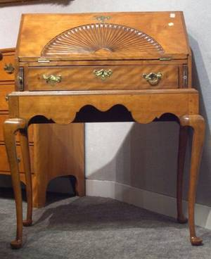 Queen Annestyle Carved Birch Writing Desk on Frame