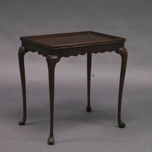 Queen Annestyle Mahogany Tea Table