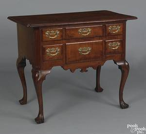 Philadelphia Queen Anne  tiger maple dressing table ca 1750