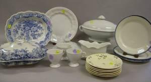 Seventeen Pieces of English Ceramic Tableware