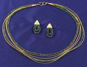 High Karat Gold and Emerald Bead Necklace and Earpendants