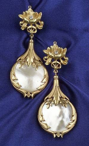 18kt Gold and Pearl Earpendants