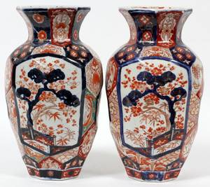 JAPANESE IMARI PORCELAIN VASES 19TH C PAIR