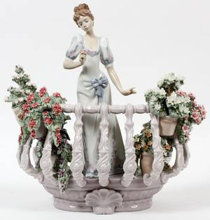 LLADRO PORCELAIN FIGURE FAR AWAY THOUGHTS