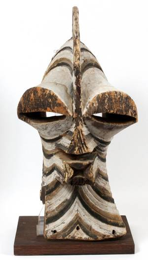 CENTRAL AFRICAN CARVED WOOD POLYCHROME MASK