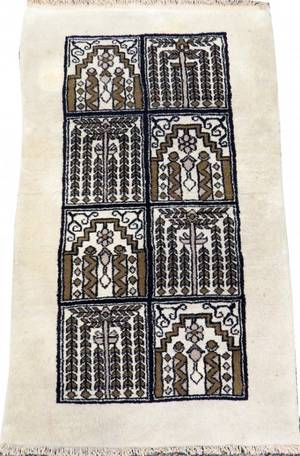 INDIAN HAND KNOTTED WOOL RUG