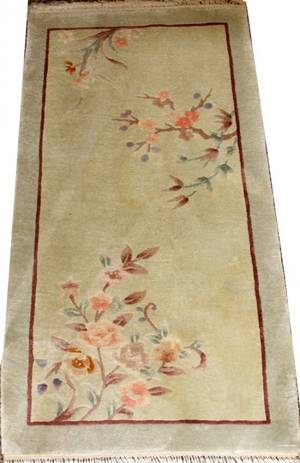 CHINESE GREEN RUG W FLORAL SPRAYS