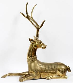DECORATIVE BRASS FIGURE OF RECLINING STAG