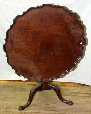 021062 CHIPPENDALE STYLE MAHOGANY TILTTOP TABLE CIRC