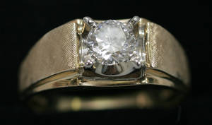 2169 86 CT DIAMOND AND 14 KT YELLOW GOLD RING