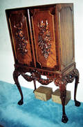 122133 CHIPPENDALE STYLE HAND CARVED MAHOGANY TWO PANE