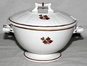 011270 WEDGWOOD  CO ROYAL STONE CHINA TUREEN TEA