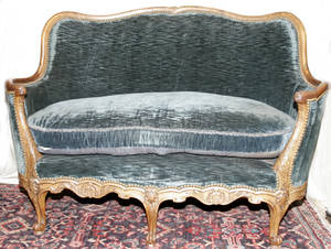 012271 LOUIS XV STYLE SETTEE CARVED WALNUT FRAME CIR