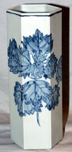 22222 JAPANESE BLUE AND WHITE PORCELAIN HEXAGONAL VASE