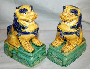 120394 CHINESE GLAZED POTTERY FOO DOGS PAIR H 7