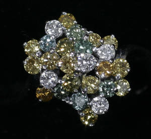 010440 14KT YELLOW GOLD DIAMOND CLUSTER LADYS RING WI