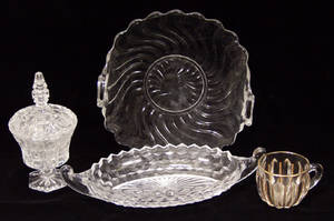 020587 PRESS GLASS RELISH DISHES DESSERT CANDY DISHE