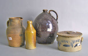 Four pcs of earthenware to include 2 pcs of decorated stoneware