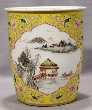 113423 CHINESE PORCELAIN CACHE POT 19TH CENTURY H 10