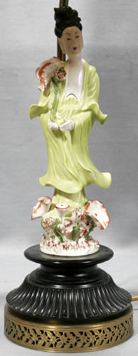 031117 CHINESE PORCELAIN QUAN YIN FIGURE AS TABLE LAMP