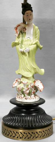 031117 CHINESE PORCELAIN QUAN YIN FIGURE AS TABLE LAMP