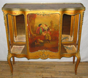 042087 LOUIS XV STYLE HAND PAINTED GILT WOOD VITRINE