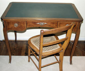 040151 FRENCH WALNUT LEATHER TOP DESK W CHAIR