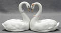 071232 LLADRO PORCELAIN FIGURE OF SWANS ENDLESS LOVE
