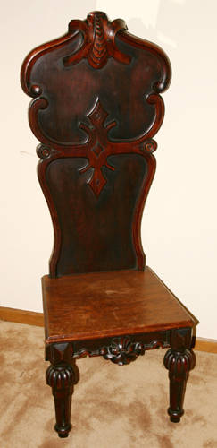 041203 ENGLISH STYLE CARVED WALNUT HALL CHAIR