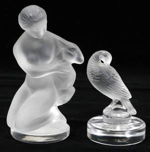 070214 LALIQUE GLASS FEMALE KNEELING  EXOTIC BIRD
