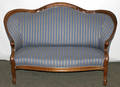 062261 VICTORIAN WALNUT LOVESEAT