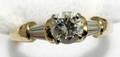060259 GOLD  ROUND BRILLIANT DIAMOND RING