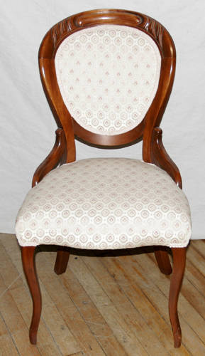 051360 VICTORIAN STYLE MAHOGANY SIDE CHAIR