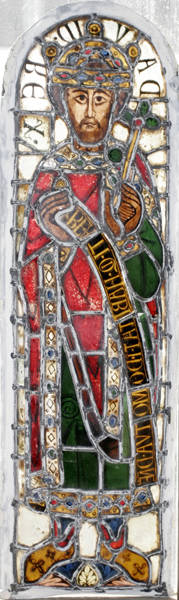 062455 LEADED  STAINED GLASS WINDOW FRAGMENT SAINT