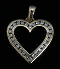030034 HEART SHAPE 14 KT GOLD AND DIAMOND LAVALIERE