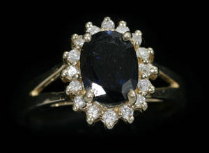030032 14 KT YELLOW GOLD SAPPHIRE AND DIAMOND RING