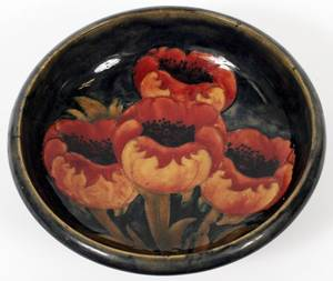 MOORCROFT POPPY POTTERY CENTER BOWL