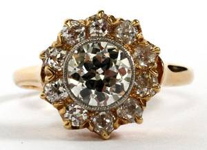 14KT YELLOW GOLD  DIAMOND CLUSTER RING SIZE 575